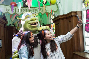 ENTER the Dreamworks Tours, Shrek's Adventure! London & SEALIFE London Competition to WIN a family ticket for each attraction!