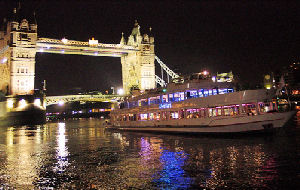 river cruises night