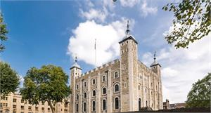 Tower of London & Light Lunch at New Armouries Café